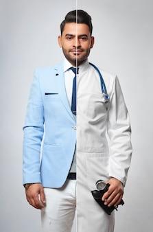 Портрет молодого красивого бородатого мужчины, одетого как бизнесмен и как врач, медицина, здоровье, жизнеспособность, жизнеспособность, живущая профессия, успех, лидерство, лидерство, предприниматель, практикующий концепцию.