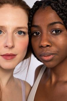 아프리카 계 미국인과 빨간 머리 여자의 초상화