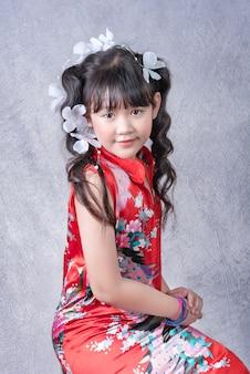 Портрет азиатской маленькой девочки