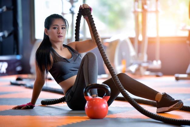 アジアのスポーツ女性の肖像画。