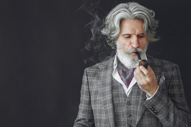 Портрет бородатого рыжего англичанина.