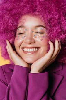 아름 다운 행복 한 여자의 초상화