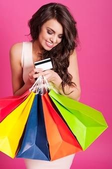 핑크에 아름다운 쇼핑 중독의 초상화