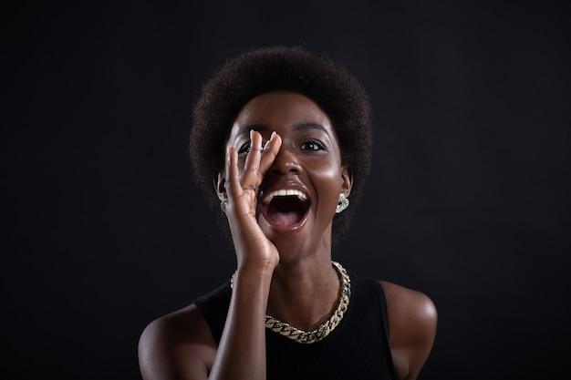 고 함하는 흑인 여자의 초상화