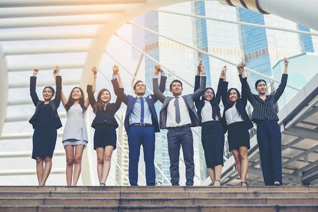 외부 비즈니스 사람들이 노동자 팀의 초상화입니다.