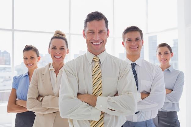 一緒に立っているビジネスチームの肖像