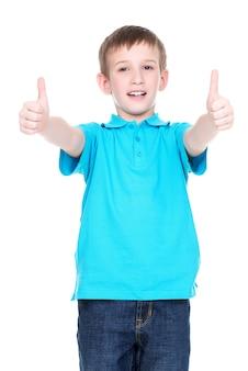 親指を立てるジェスチャーを示す陽気な少年の肖像-白で隔離。