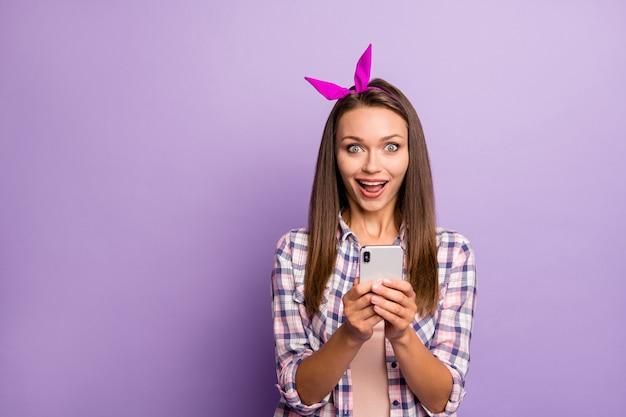 Портрет сумасшедшей девушки с помощью смартфона
