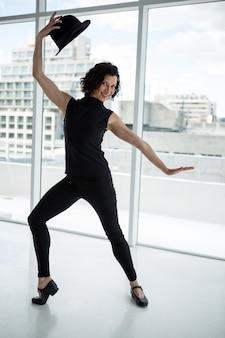 Портрет танцора практикующих танец