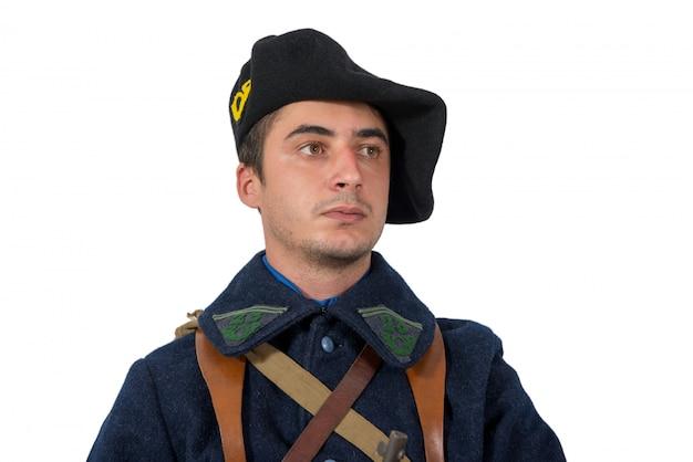 프랑스 군인의 초상화는 흰색에 고립