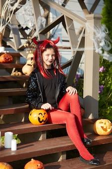 Портрет девушки на хэллоуин