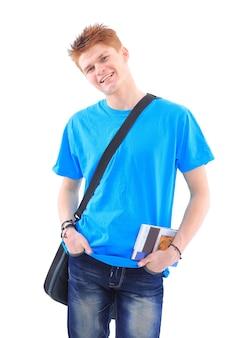 흰색 배경 위에 서 캐주얼 옷에 잘 생긴 젊은 남자의 초상화