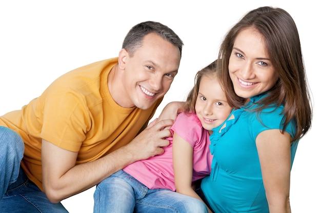 Портрет счастливой семьи с дочерью