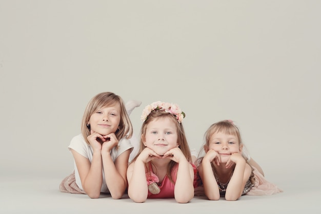 幸せな子供の肖像画