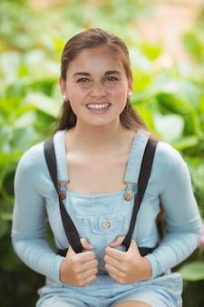 幸せな女子高生の肖像画