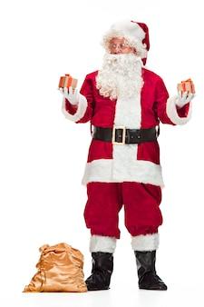 산타 클로스 의상에서 남자의 초상화
