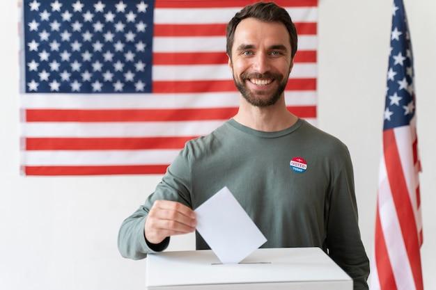 유권자 등록일에 남자의 초상화