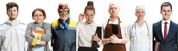 白いスタジオの背景にさまざまな職業の人々の肖像画。チラシ、コラージュ。人間の感情、顔の表情、職業、仕事、ビジネスの概念。肉屋、教師、医者、ビルダー。