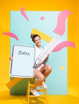 大きなメモ帳テンプレートと女子高生の肖像画