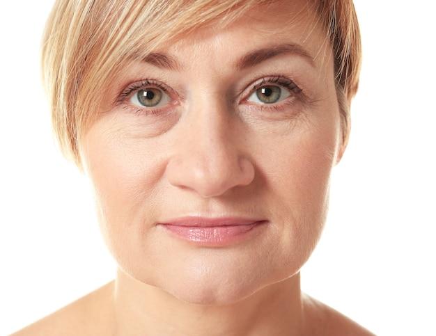 Портрет старшей взрослой женщины