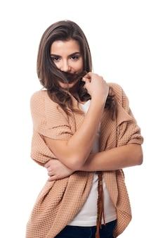 恥ずかしがり屋の若い女性の肖像画