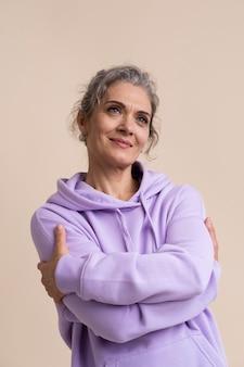 Портрет смайлика старшей женщины
