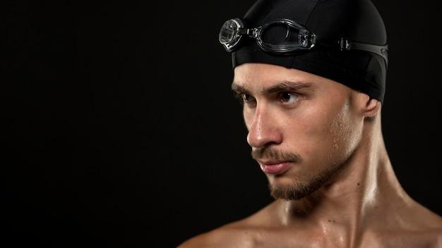 Портрет фокусировки пловца