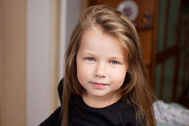 美しい少女の肖像画
