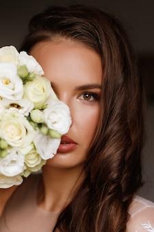 꽃 부케와 신부 초상화