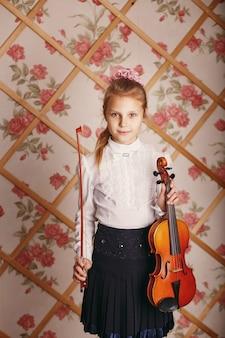 작은 바이올리니스트 소녀의 초상화