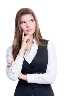 若い思考の女性の肖像画が見上げる-白い背景で隔離。