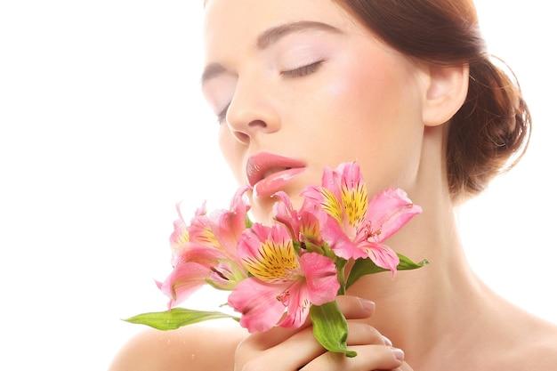 Портрет женщины с цветами