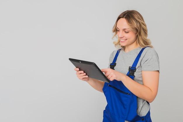 Портрет работницы