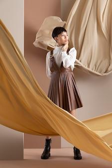 秋の服を着た若いアジアの女性の肖像画