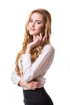 Ritratto di donna d'affari sorridente, isolato su sfondo bianco