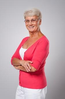 Ritratto di donna senior sorridente