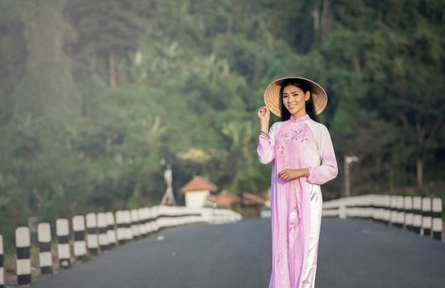 Portrait of thai girls with ao dai, vietnam traditional dress