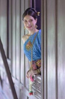 タイ時代の衣装でポートレートタイモデル