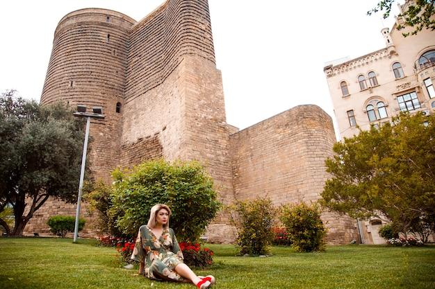 肖像画、東部の都市の観光客、夏の気分
