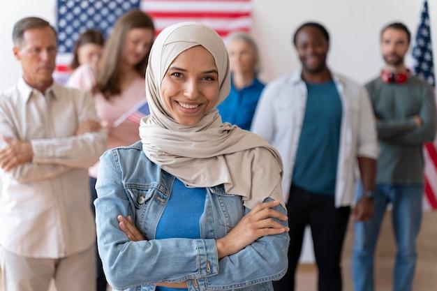 Ritratto di donna il giorno della registrazione degli elettori