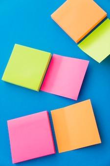 異なる色で投稿する