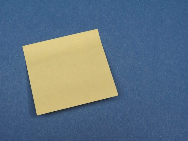 コピースペースで青の上にポストイット
