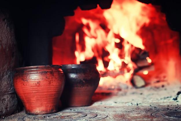 オーブンとオーブンフォークの鍋