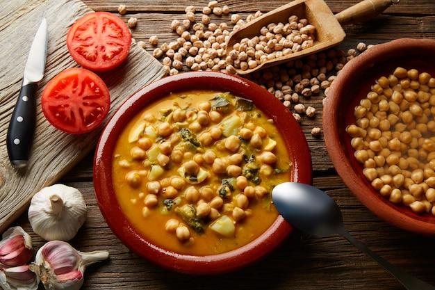 Potaje de garbanzos chickpea stew spain