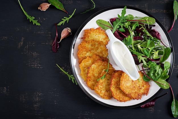 Картофельные оладьи со сметаной