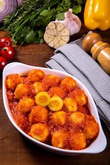 Картофельные ньокки с курицей в натуральном органическом томатном соусе без пестицидов