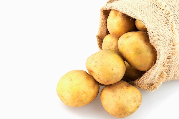 Картофельный мешок на белом фоне