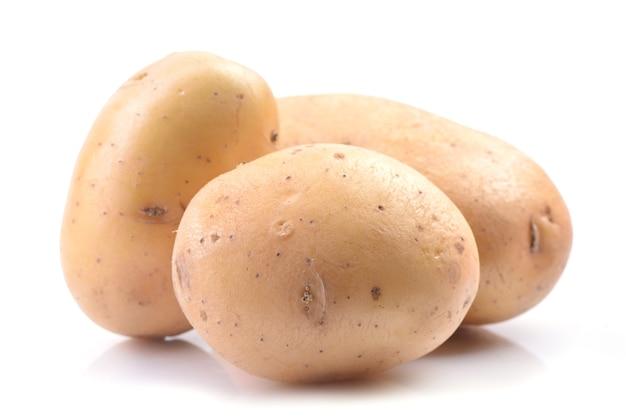 白い表面のジャガイモ
