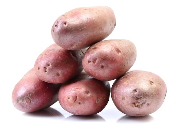 白い背景の上のジャガイモ