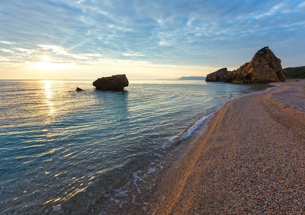 Potistika 해변 일출보기, 그리스. 에게 해.